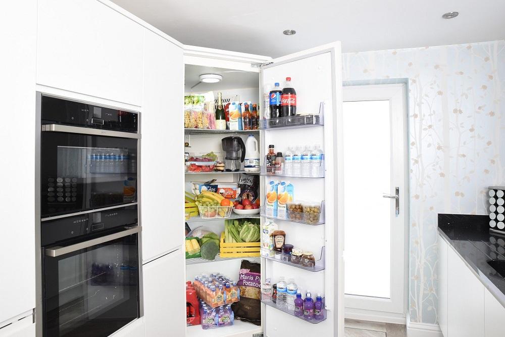 5 วิธีดับกลิ่นในตู้เย็นให้หอมสดชื่น แบบไม่พึ่งสารเคมี